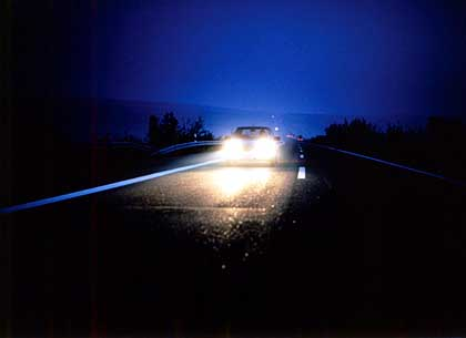Mit müden Augen durch die Nacht - erhöhtes Risiko bei Nachtfahrten